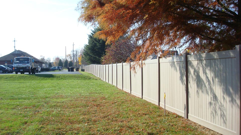 custom fencing suffolk va